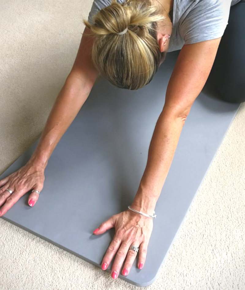 kneeling fitness support mat